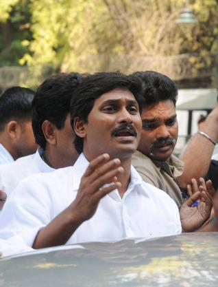 Jagan Mohan Reddy in Delhi, met High Command, Much depends on this meeting, how the state of AP takes final call post Assembly Elections which gave Congress Victory.